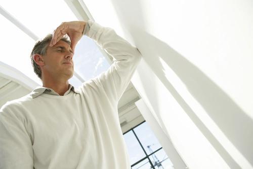 想知道前列腺痛有什么样的症状表现